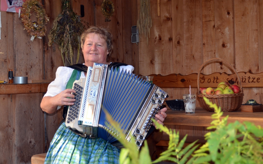 Musikalische Begleitung durch Frau Klostermeier