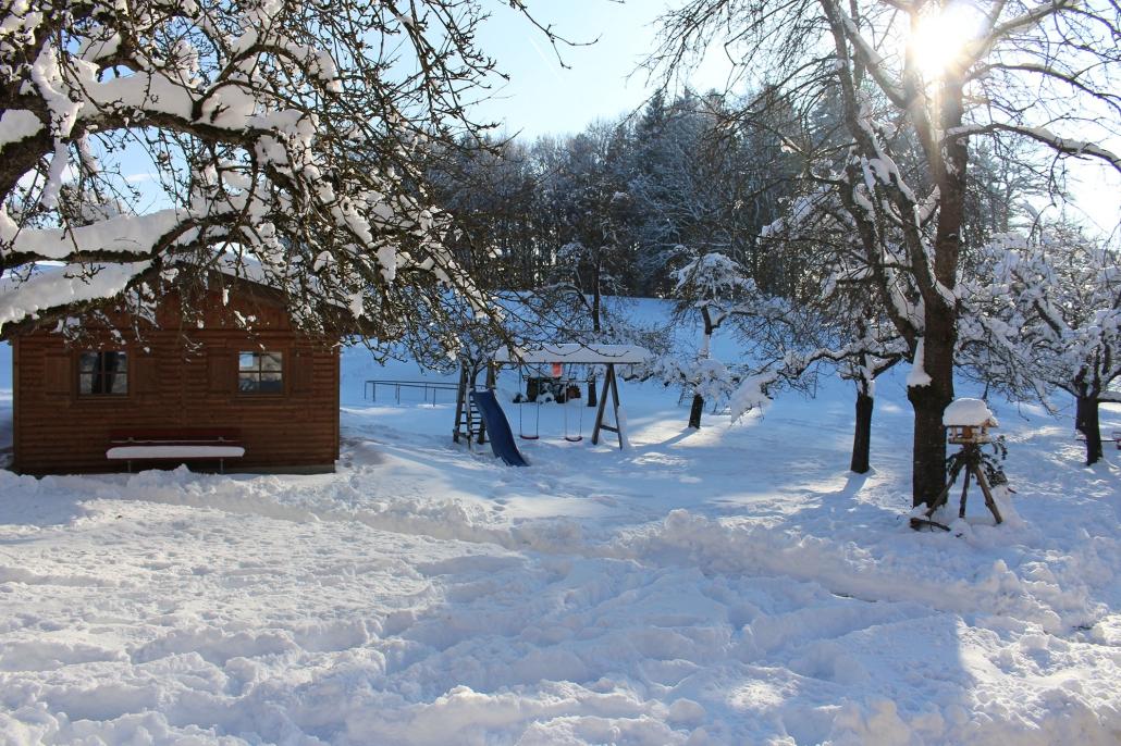 Es gibt genug Schnee, um einen Schneemann zu bauen